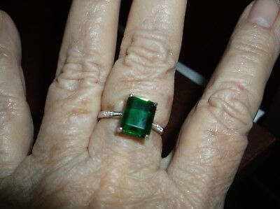 Ring--Sz 8--Genuine Emerald Quartz 4 carats, tiny diamonds, in sterling--new