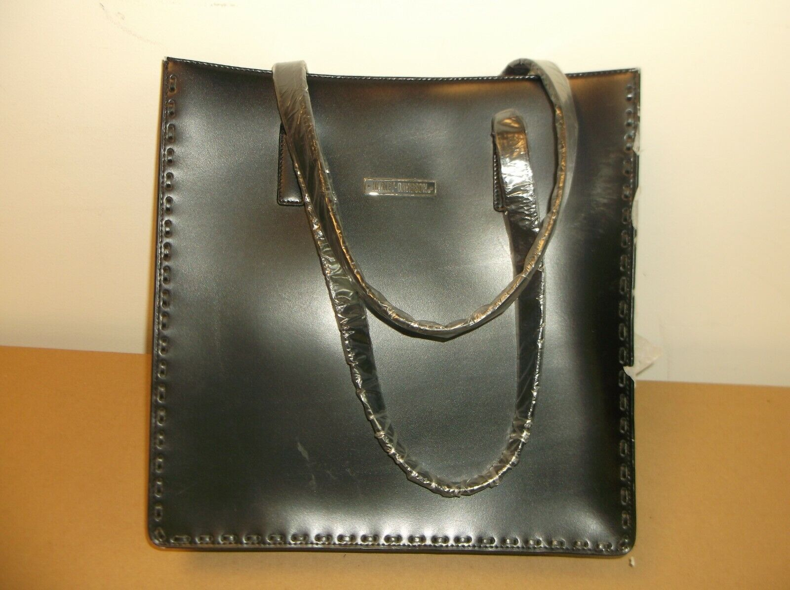 "Harley-Davidson Women's Leather Tote purse 12.5"" x 12.5"" x 3"