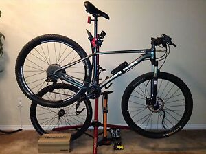 Trek Superfly 6 29er Aluminum Hardtail Bike (w/Pro. Work Stand)