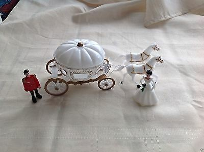 - Cinderella Carriage Cake Topper Wedding Party Decoration with Bride And Groom