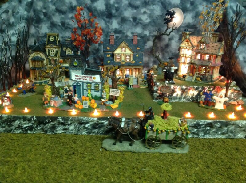 Halloween Village Display Platform For Dept 56 Lemax Spooky-town With Lights