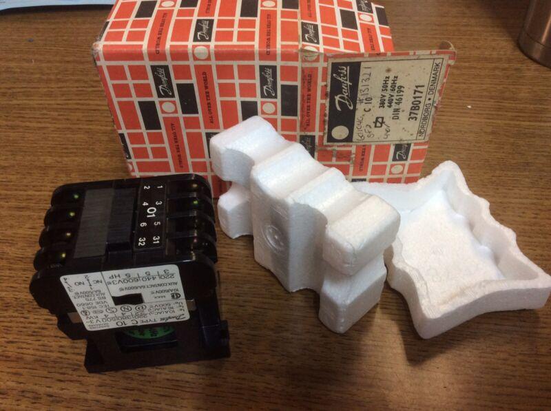 NEW Danfoss Contactor #37B0171 440volt Coil  10 Amp