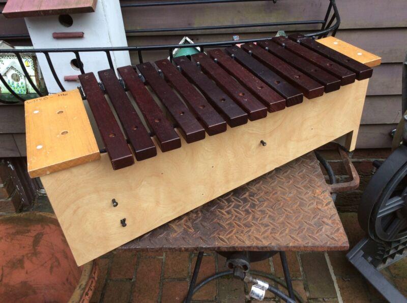 "Suzuki Japan Wood 25"" Long Xylophone W / 13 Bars - Good"