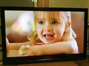"42""Panasonic Viera HDTV good working wall mounted bracket including"