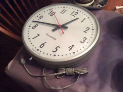 "Vintage Cincinnati Glass / 3""Metal Wall Clock - Works Great -  W / Plug - Nice"