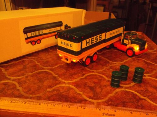 1976 Hess Truck with working lights, reproduction box and bottom insert, 3 green