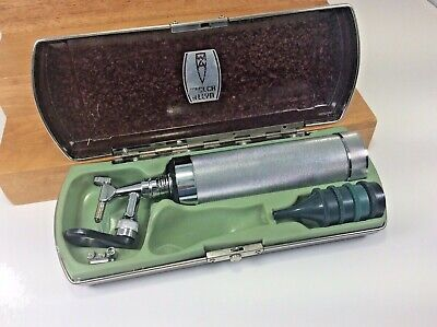 Antique Welch Allyn Otoscope Opthalmoscope With Original Bakelite Case Access.