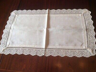 Pretty crochet lace edged  Butlers cloth / tray cloth (C10)