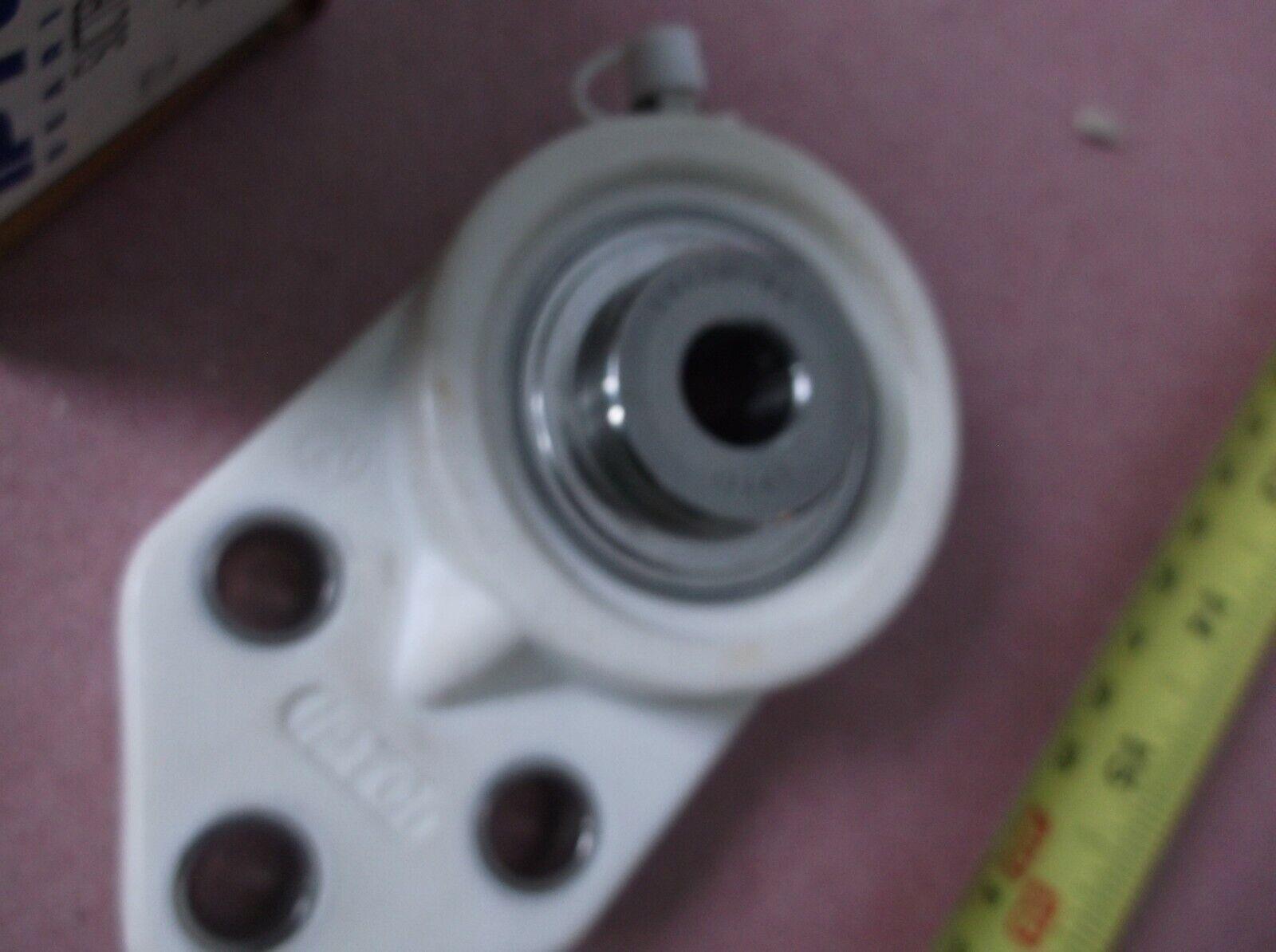 "NEW NO BOX SET OF 2 IPTCI MODEL FB207 2-BOLT FLANGE BEARING 1-7//16/"" BORE"