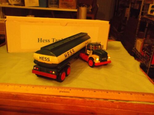 1974 Hess Tanker Truck with working lights no missing parts & a Reproduction box
