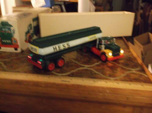 1972/74 Hess truck with Original box, working lights, bottom insert,