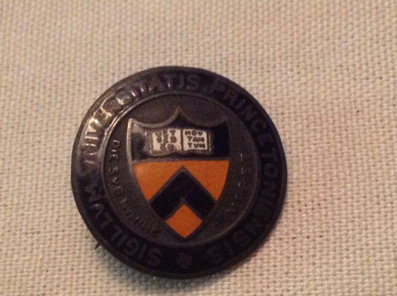 Universitatis Princetoniensis Sigillvum Vintage Pin Back Pin, Princeton