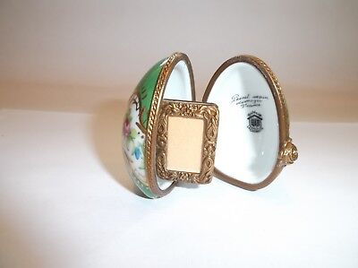 Peint Main Limoges Trinket-Standing Egg With Picture Frame Inside   - Standing Egg