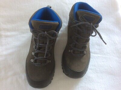 Cabellas Ladies Hiking Boots Size 7 M - NWOT for sale  Shipping to Canada