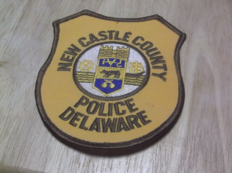 CR15) New Castle County Delaware Police Patch