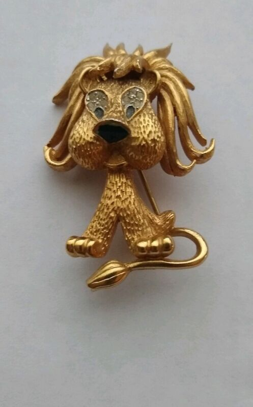 Vintage Jomaz Gold Plated Lion Pin / Brooch