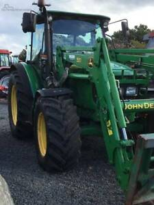 Tractor / loader, John Deere Tractor 5820, FWA / 4WD Aircon Cab - Yass Yass Valley Preview