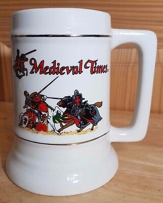MEDIEVAL TIMES 6 INCH & 24 OUNCE GRAPHIC KNIGHTS HAND DECORATED BEER STEIN MUG - Medieval Times Decorations
