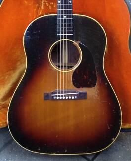 Gibson J-45 Sunburst 1954