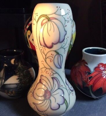 Moorcroft Limited Issue Cosmos Christmas 2017 Vase Was $275 First Mint ()
