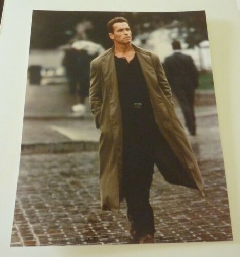 Arnold Schwarzenegger Movie Actor Sexy 8x10 Color Promo Photo