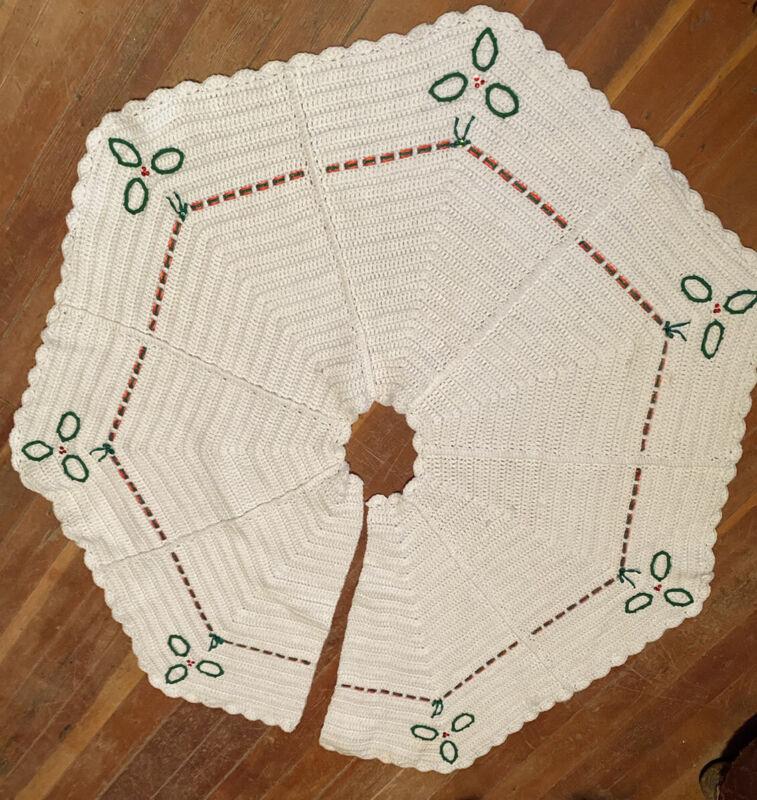 "Vintage White Crocheted Christmas Tree Skirt 42"" Red Green Trim Octagon Shape"