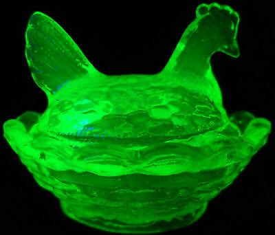 Green Vaseline Uranium glass mini Hen Chicken on nest basket Easter eggs / chick
