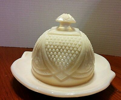 Vintage Round Cream Slag Milk Pressed Glass Butter / Cheese Covered Dish 8