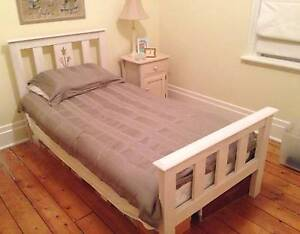 Great Quality Solid Wood SINGLE BED in White + MATTRESS Burwood East Whitehorse Area Preview