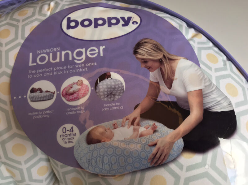 Boppy Original Newborn Lounger, Hexagon Lightweight, NEWBORN 0-4 Months Used