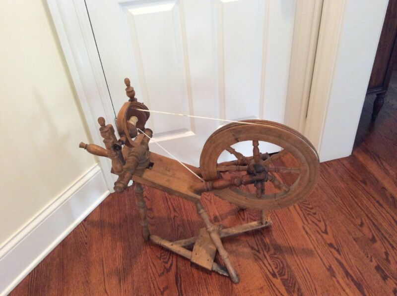 "Vintage Antique Maple Wood Spinning Wheel - 15"" wheel"