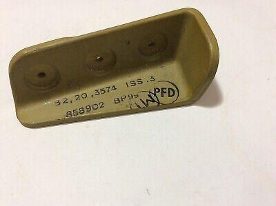 NOS Beagle B206 Bassett Bracket p/n B2-20-3574 qty 1 (L/2)