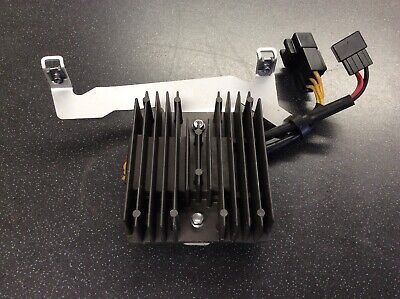 TRIUMPH DAYTONA 675 REGULATOR RECTIFIER 2015