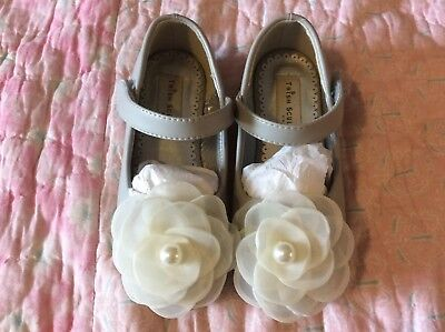 Trish Scully Child Size 10/11 Toddler Dress Shoes Gray Mary Jane Flat Ivory - Ivory Dress Shoes Toddler