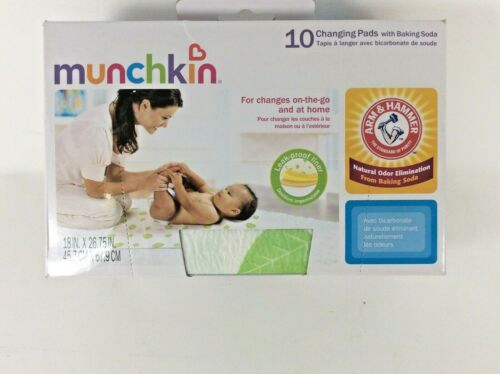NEW Munchkin Arm & Hammer Disposable Changing Pads  10 Pack