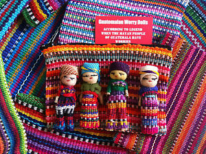 GUATEMALAN-WORRY-DOLL-TEXTILE-ZIP-BAG-WITH-4-DOLLS