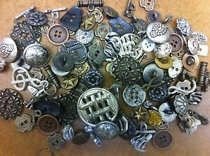 INCREDIBLE 200 PC MIXED LOT OF VINTAGE OLD & NEW METAL BUTTONS All Kinds!!!