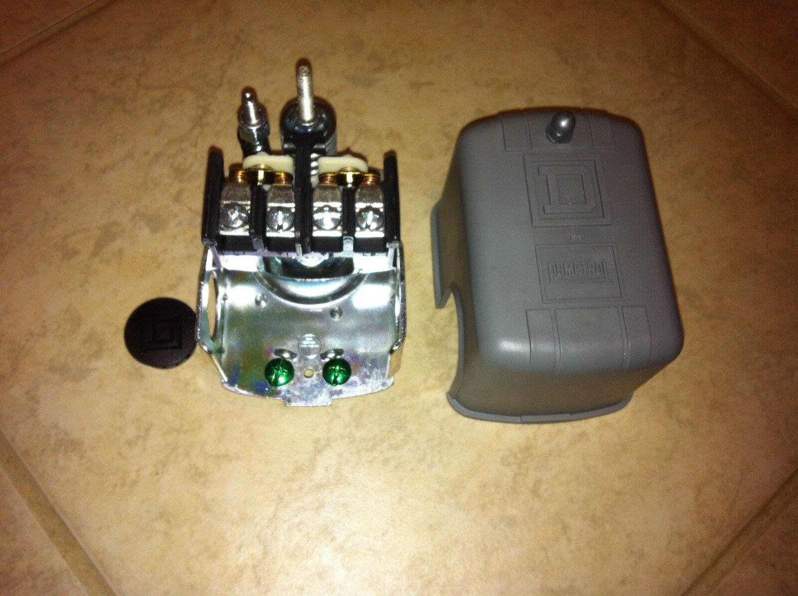New Lot Of 2 Square D Water Well Pump Pressure Switch