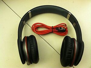 Monster-Beats-by-Dr-Dre-Solo-Black-Over-the-Head-Headphones-Great-Condition