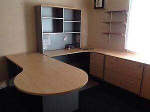 Desk large work spece Oakville Hawkesbury Area Preview