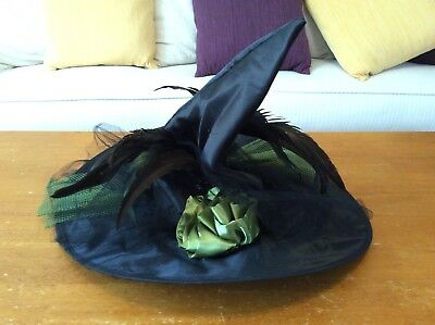 Child Witch Hat (Child Black and Green Witch Hat with Feathers Halloween Costume)