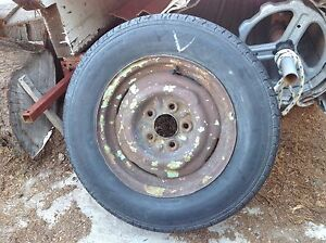 13 inch HT rim with tyre Semaphore Port Adelaide Area Preview