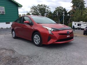 2016 Toyota Prius AMAZING FUEL ECONOMY FROM THIS HYBRID - A/C -