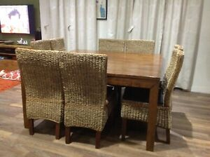 EXCELLENT ! bargain !....8 seater Dining table!