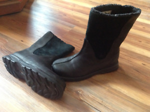 Columbia Genuine Leather & Suede winter boots