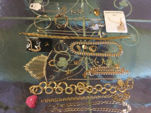 Great Lot Of 28 Vintage Modern Gold Tone Assorted Jewelry Branded & Unbranded