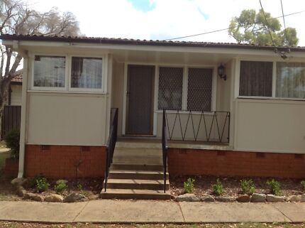 Studio/ apartment separate modern kitchen 260 per week incl water Bass Hill Bankstown Area Preview