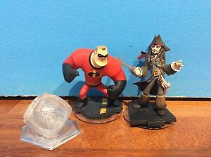 2 Disney Infinity Characters & Playset Piece $5 Kingsgrove Canterbury Area Preview
