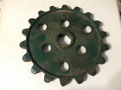 524 - A New 18 Tooth Sprocket For A Cole 1800-series 100 200 300 Planters