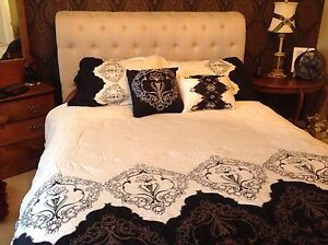 Black and white queen size bedding